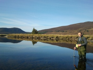 Dr Bilotta in a reference-condition river - the River Dee (Scotland)