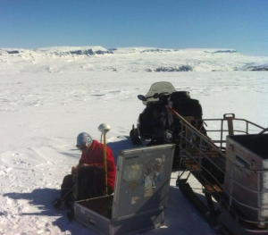 Wires, ice and cold hands don't mix!  Setting up the GPR equipment on Midtdalsbreen.